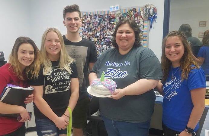 Foods Class Delivers AWESOME cakes !